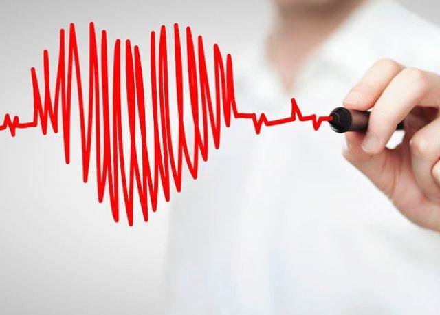 Сердце женщины бьется быстрее, чем у мужчины