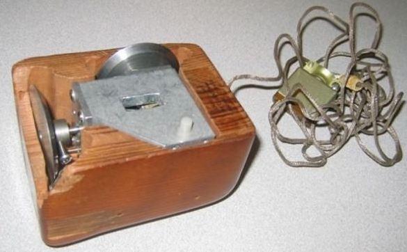 Первая компьютерная мышь появилась 9 декабря 1968 года