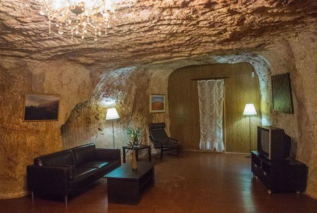 Дома в австралийском городе Кубер-Педи расположены под землей