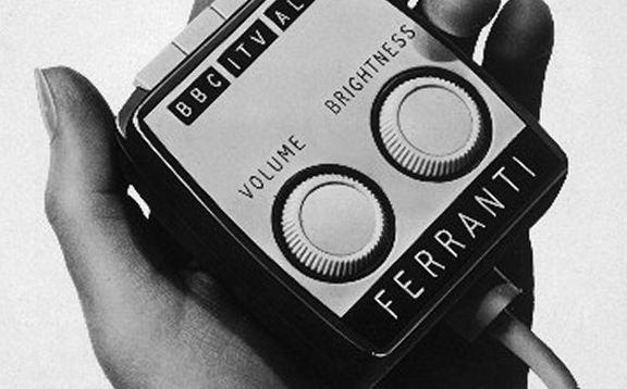 Каким был первый пульт для телевизора и кто его придумал