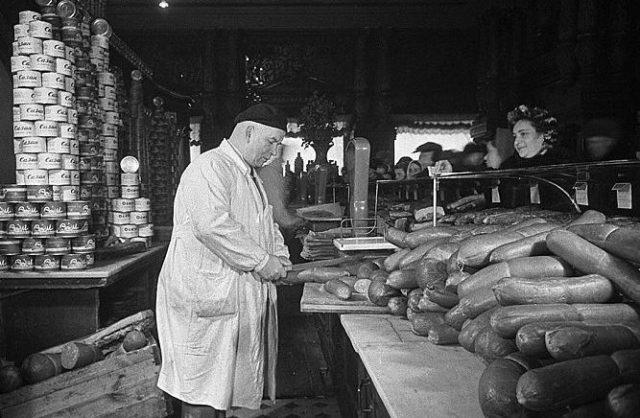 «Докторскую» колбасу придумали для оздоровления рабочих и ветеранов Гражданской войны