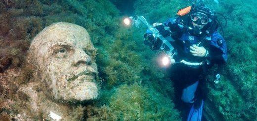 В Крыму есть музей под водой с бюстами известных личностей