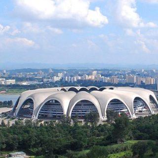 Стадион имени Первого Мая в Корее площадью 207 000 кв. м – самый большой в мире